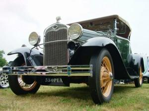 Défilé voitures anciennes
